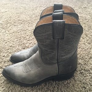Frye Billy Ankle Cowboy Boots size 8